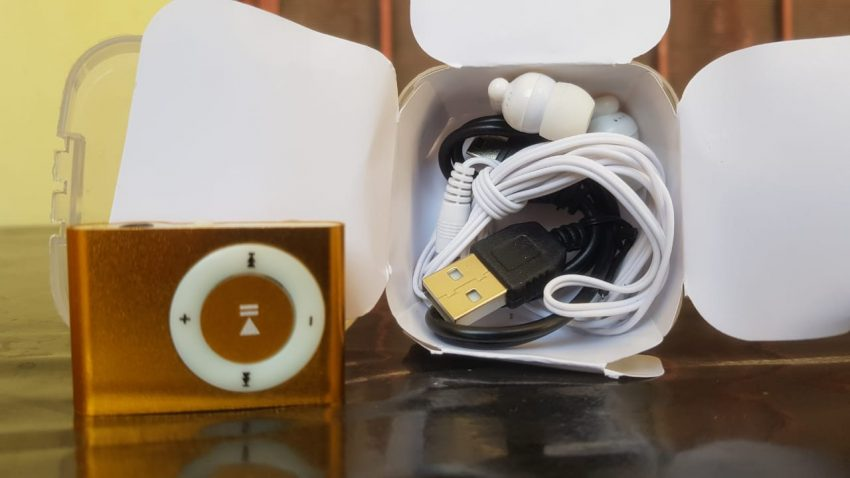 MP3 Player Mattel HandsFree And Cable 3