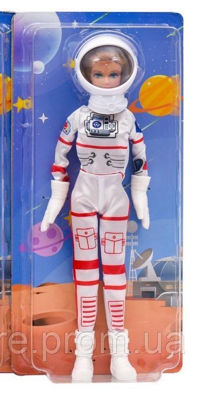 Defa Lucy Astronaut Barbie Doll 1